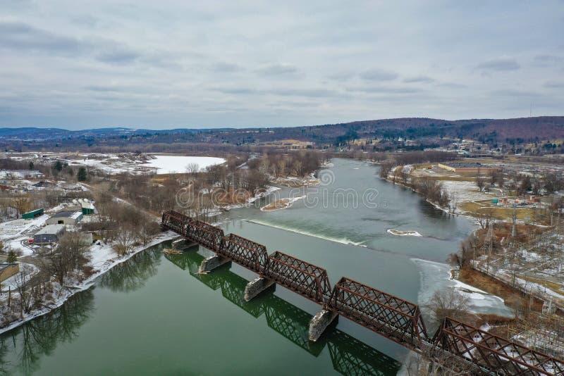 Puente colgante para el tren sobre el río Susquehanna fotos de archivo