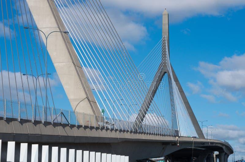 Puente conmemorativo del Bunker Hill de Zakim en Boston, los E.E.U.U. imagen de archivo