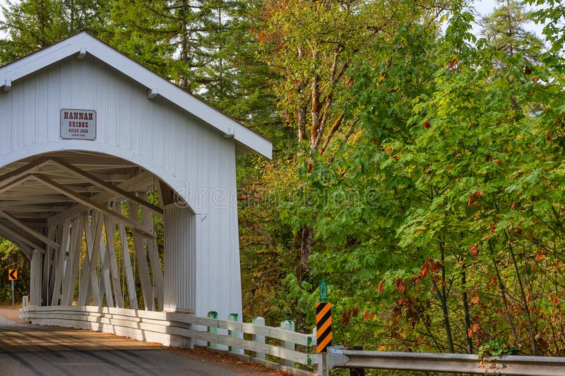 Puente cubierto de Hannah en Oregon imágenes de archivo libres de regalías