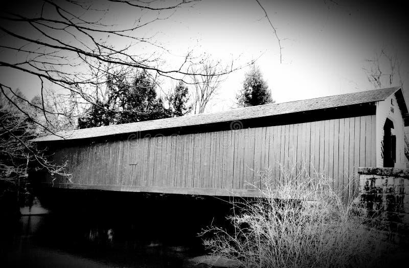 Puente cubierto de madera imagen de archivo libre de regalías