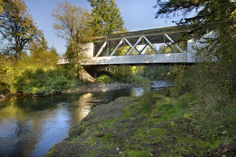 Puente cubierto Oregon 2 de Hannah fotografía de archivo libre de regalías