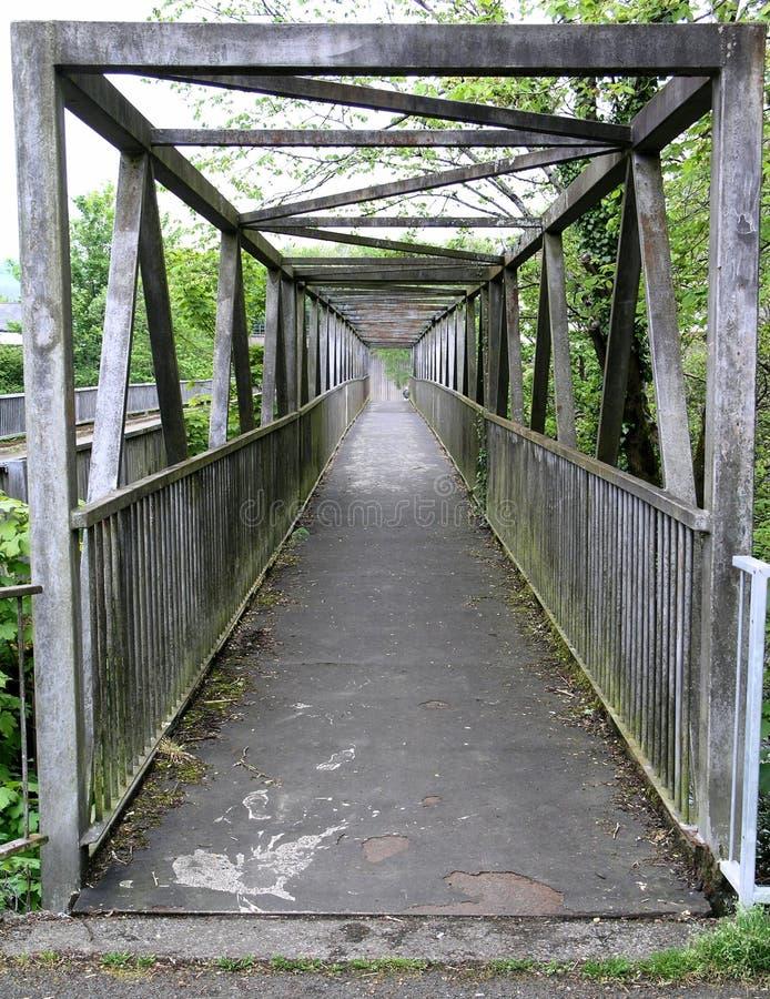 Puente de acero del río de la viga foto de archivo