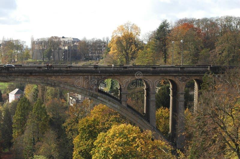 Puente de Adolfo en Luxemburgo fotos de archivo libres de regalías