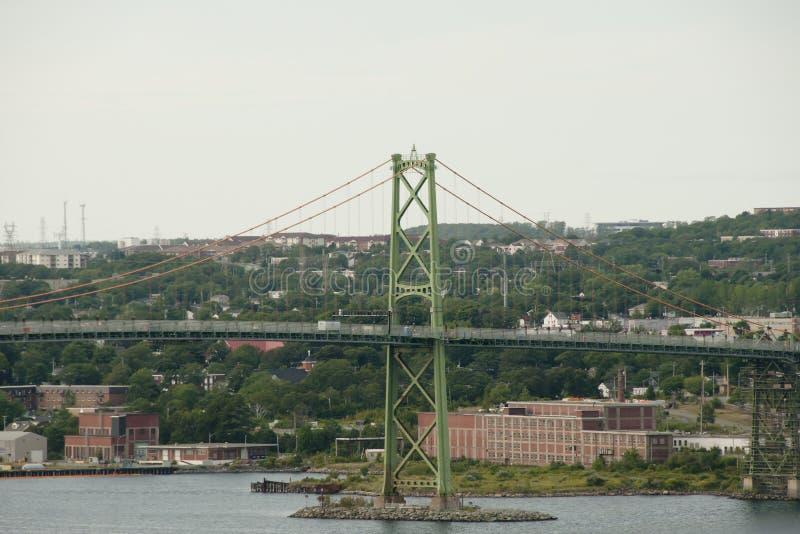 Puente de Angus L Macdonald Bridge - Halifax - Nova Scotia imagen de archivo libre de regalías
