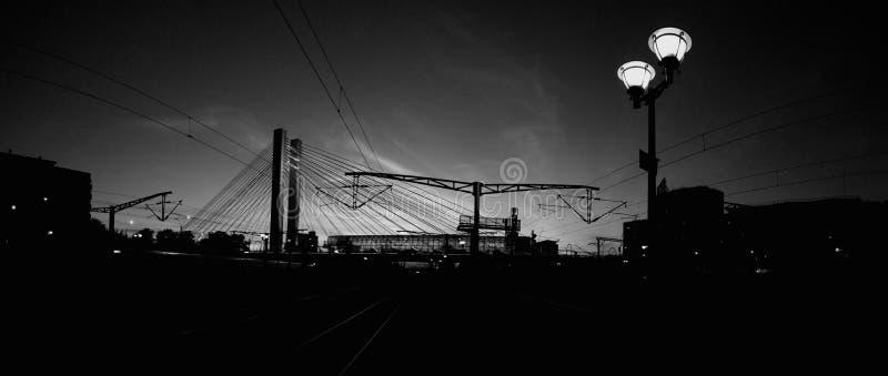 Download Puente de Basarab en noche imagen de archivo. Imagen de restablecido - 42438769