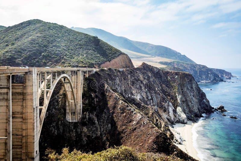 Puente de Bixby en la carretera de la Costa del Pacífico foto de archivo