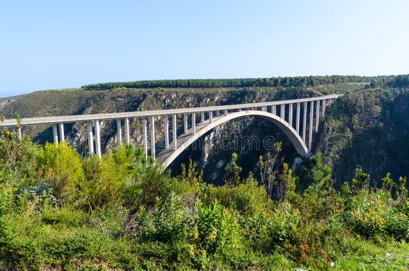 Puente de Bloukrans en Suráfrica fotos de archivo