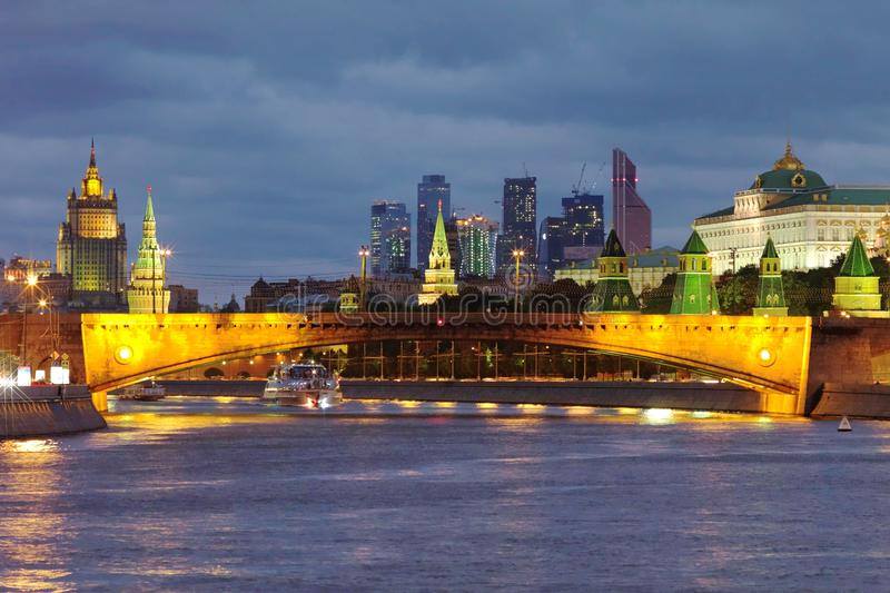 Puente de Bolshoy Moskvoretsky imagenes de archivo