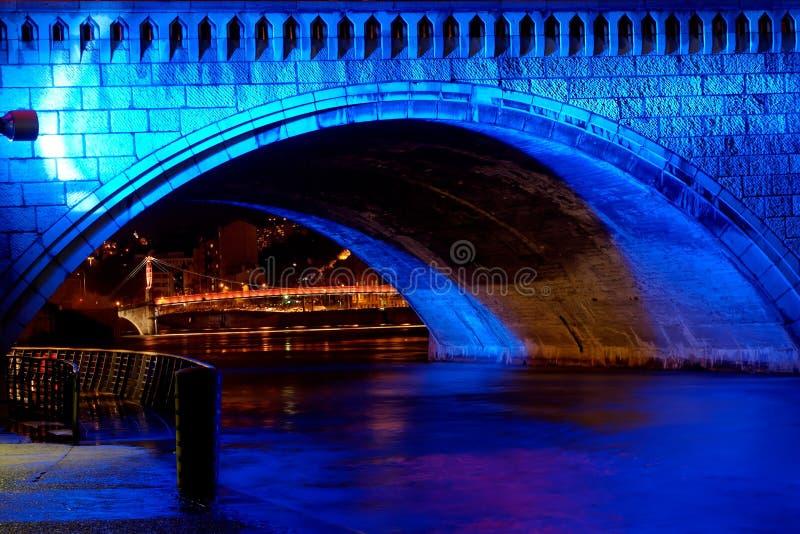 Puente de Bonaparte en el río Saone (Lyon, Francia) foto de archivo