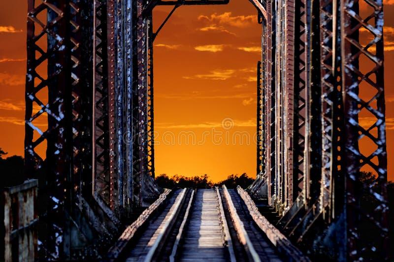Puente de braguero viejo del tren fotos de archivo libres de regalías