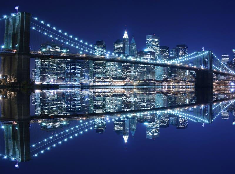 Puente de Brooklyn en la noche foto de archivo libre de regalías