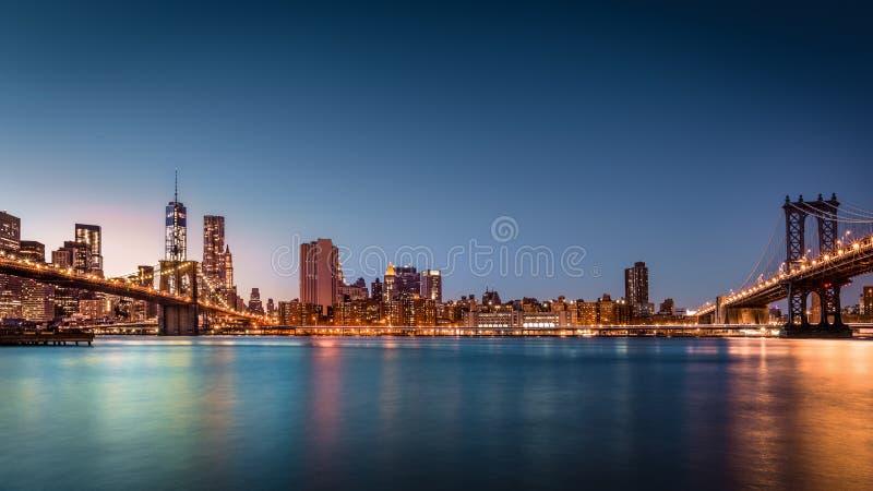 Puente de Brooklyn y el Lower Manhattan fotografía de archivo