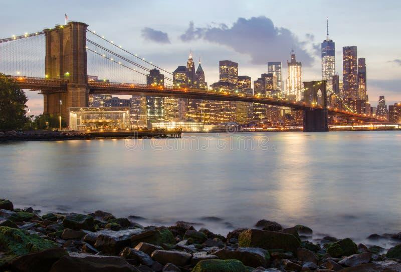 Puente de Brooklyn y el Lower Manhattan imágenes de archivo libres de regalías