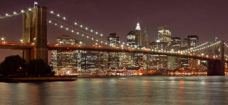 Puente de Brooklyn y New York City fotografía de archivo