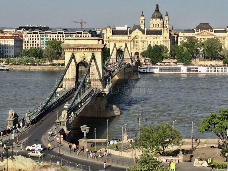 Puente de cadena sobre Danubio en Budapest imágenes de archivo libres de regalías
