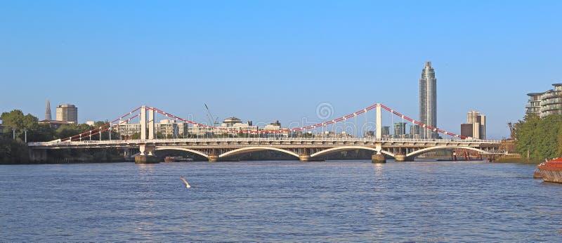 Puente de Chelsea, Londres foto de archivo libre de regalías