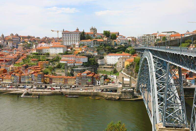 Puente de Dom Luis I y la ciudad vieja de Oporto, Portugal, Europa imagen de archivo