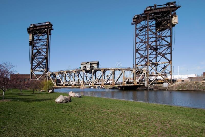 Puente de elevación del balanceo fotografía de archivo