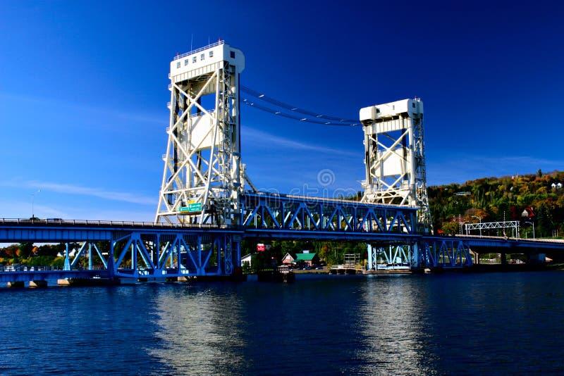Puente de elevación del lago Portage en Houghton Hancock imágenes de archivo libres de regalías