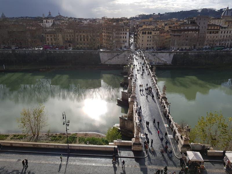 Puente de entrada delcastillo de sant 'angelo fotografering för bildbyråer