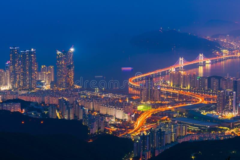 Puente de Gwangan en la ciudad de Busán, Corea del Sur imagen de archivo libre de regalías