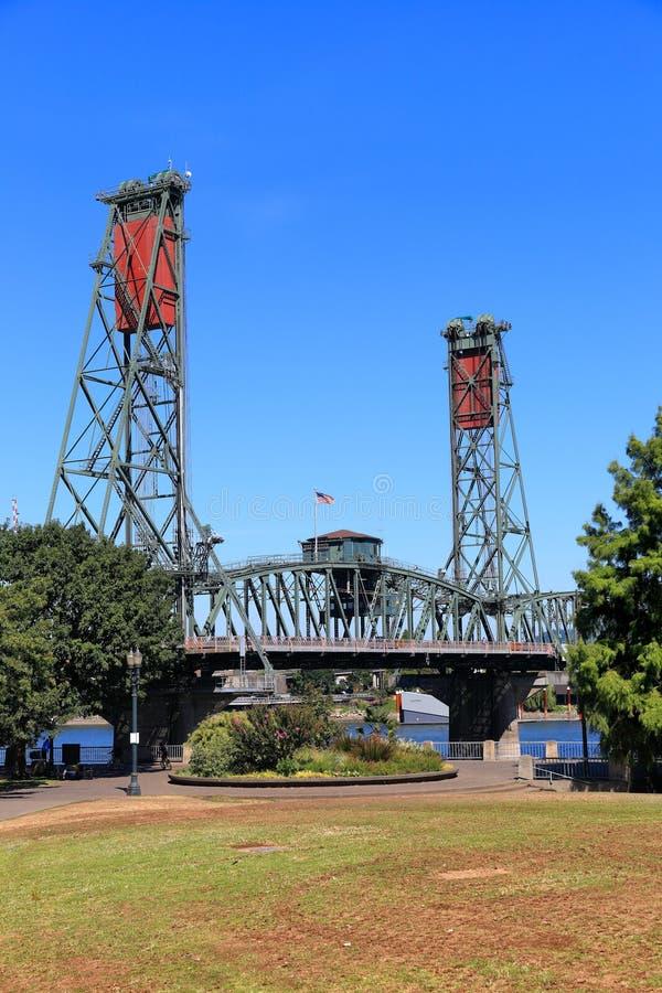 Puente de Hawthorne, Portland Oregon foto de archivo