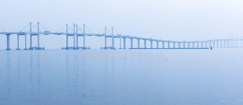 Puente de Hong Kong-Zhuhai Macao de la visión panorámica en la salida del sol fotografía de archivo