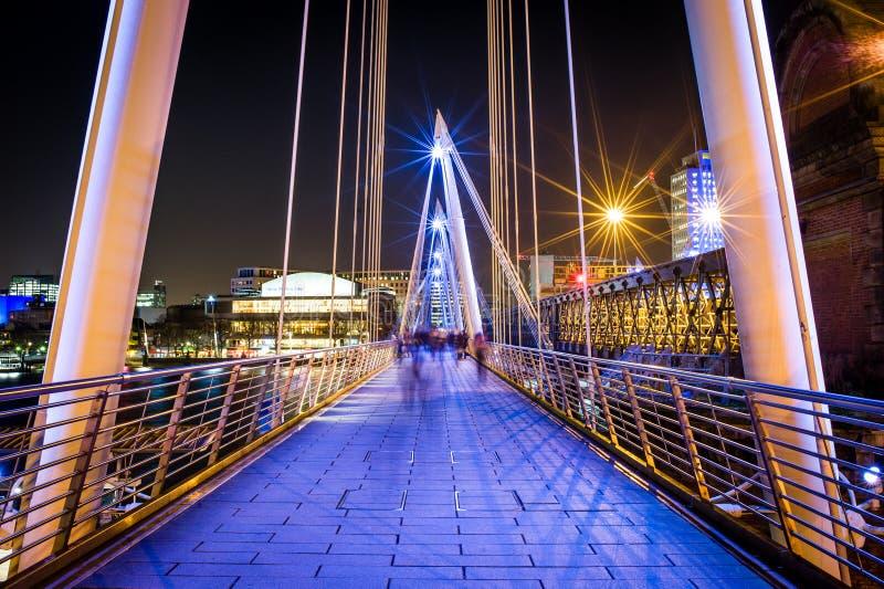 Puente de Hungerford y puente de oro del jubileo foto de archivo libre de regalías
