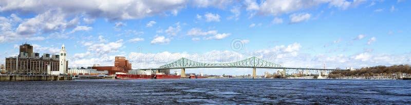 Puente de Jacques Cartier en panorama del invierno foto de archivo libre de regalías
