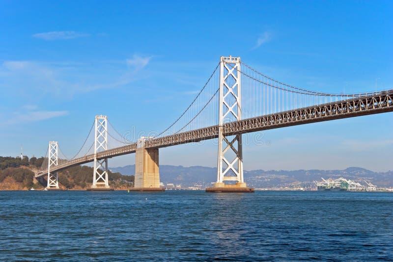 Puente de la bahía de Oakland de la suspensión en San Francisco foto de archivo libre de regalías