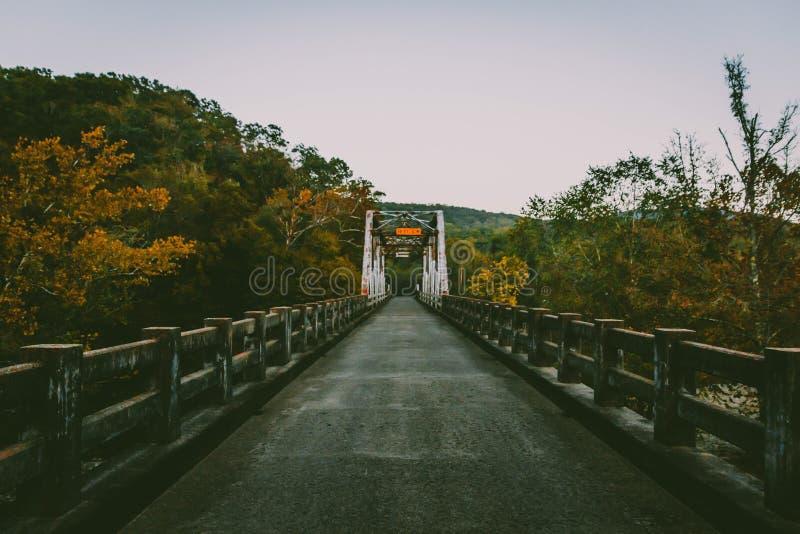 Puente de la caída fotos de archivo