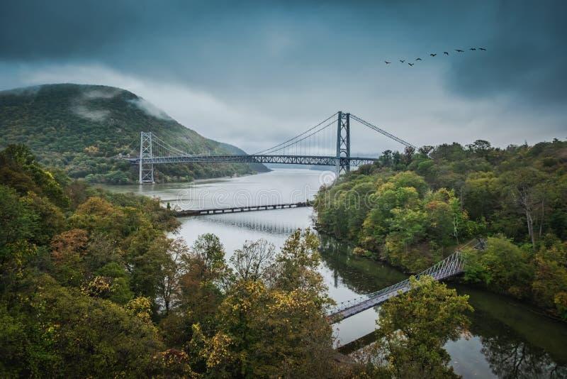 Puente de la montaña del oso y Hudson River fotos de archivo