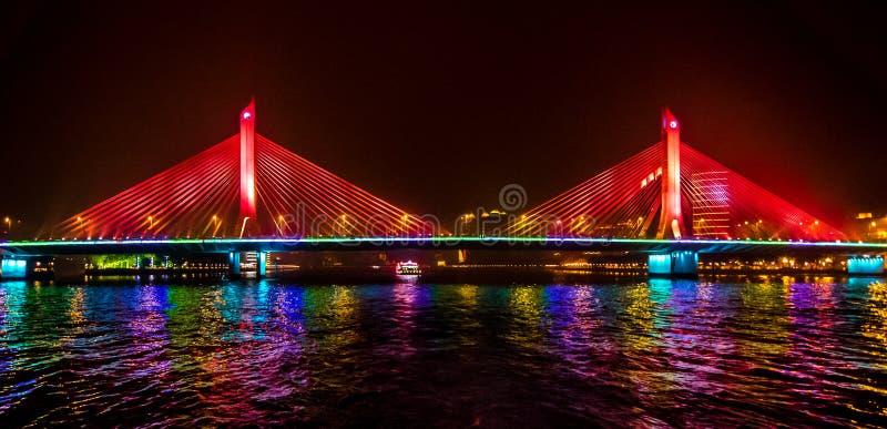 Puente de la noche fotos de archivo