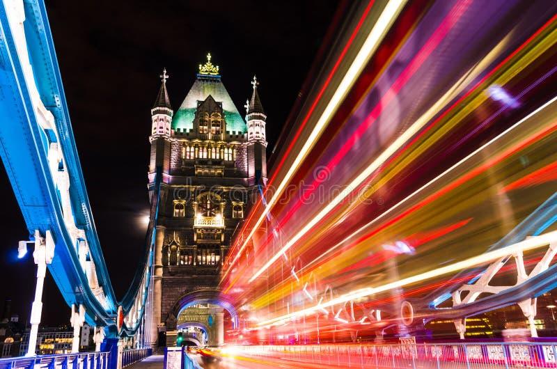 Puente de la torre en Londres, Reino Unido imagenes de archivo