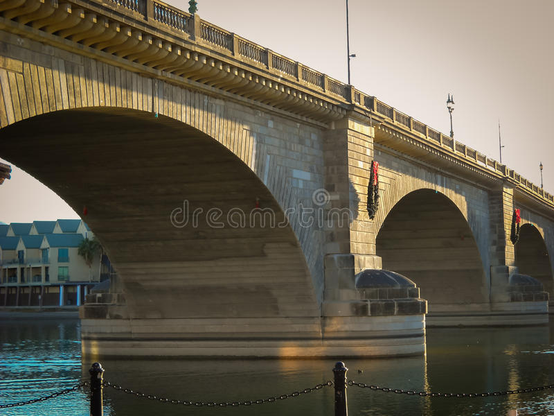 Puente de Londres en la ciudad de Lake Havasu, Arizona fotos de archivo