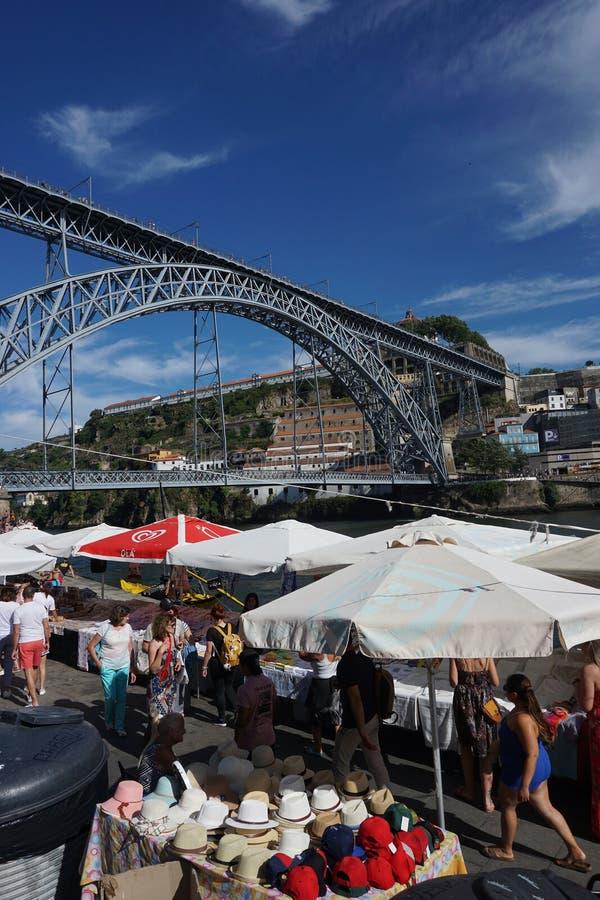 Puente de los Dom LuÃs I en Oporto, Portugal foto de archivo