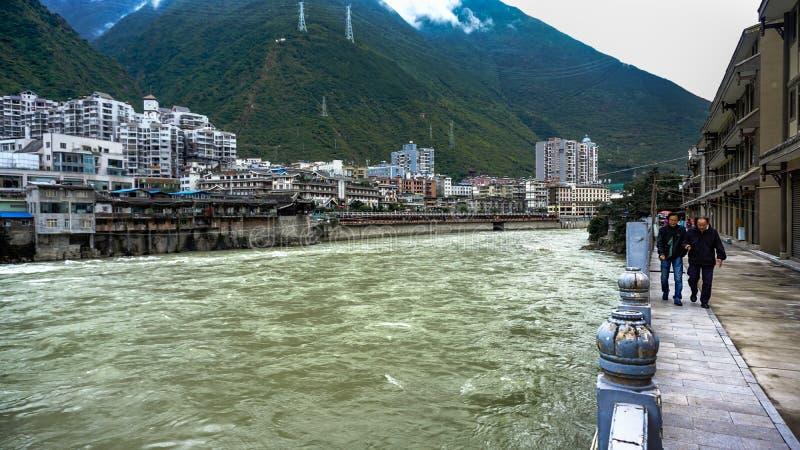 Puente de Luding en Dadu River en China imagenes de archivo