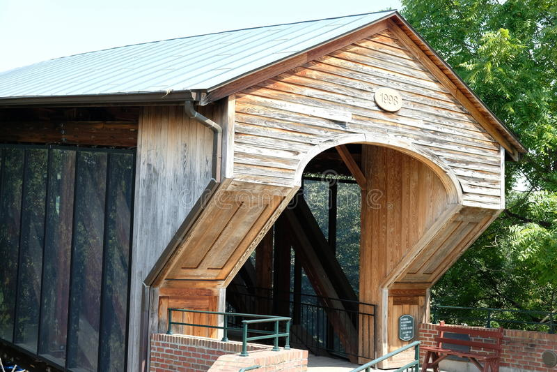 Puente de madera viejo de Salem foto de archivo libre de regalías