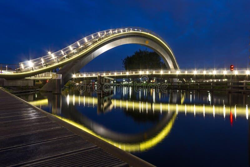 Puente de Melkweg en Purmerend, Países Bajos imagen de archivo