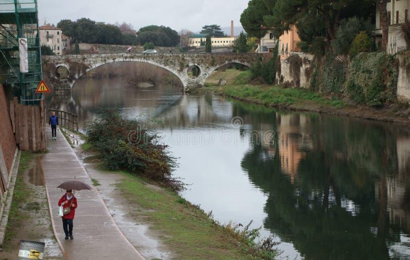 Puente de Mercatale en Prato, Italia fotos de archivo