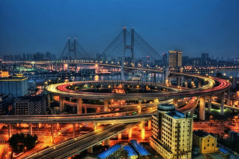 Puente de Nanpu del horizonte de Shangai imagenes de archivo