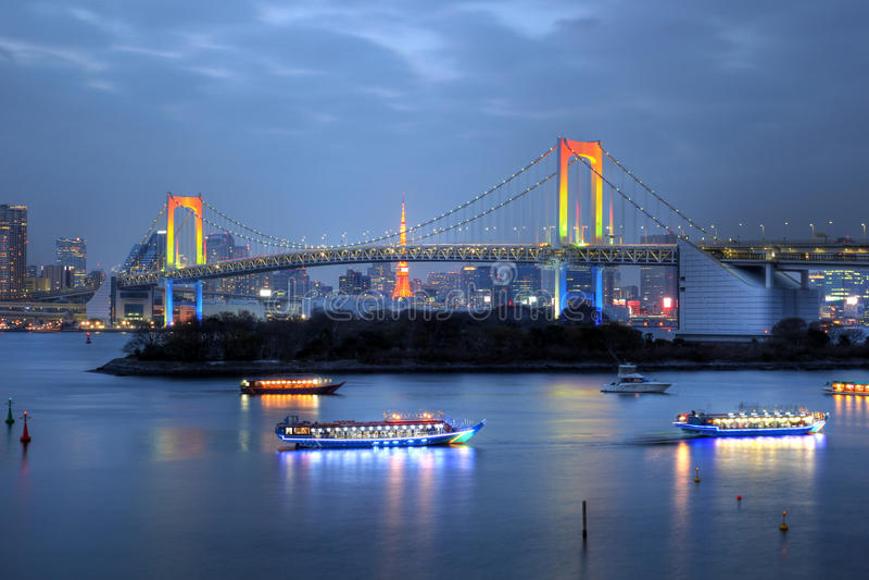 Puente de Odaiba, Tokio, Japón del arco iris foto de archivo libre de regalías