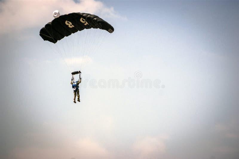 Puente de paracaídas imágenes de archivo libres de regalías