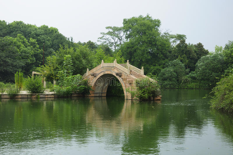Puente de piedra chino imagen de archivo