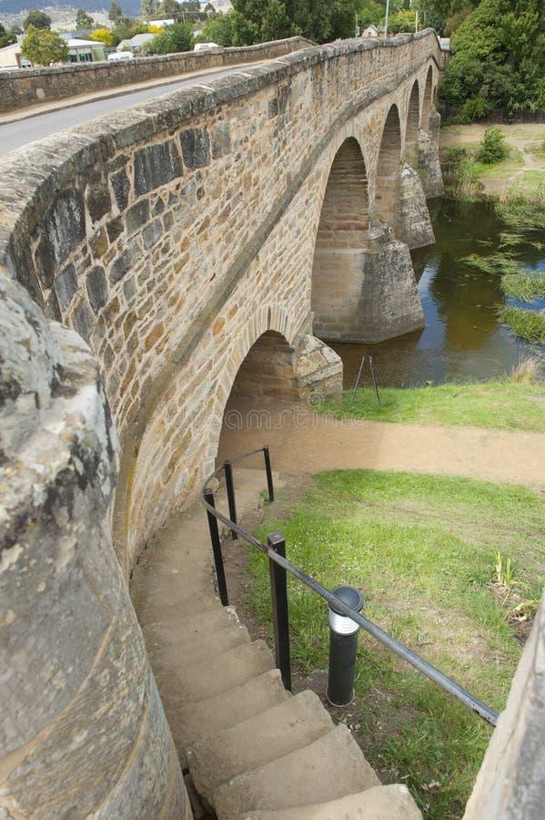 Puente de piedra histórico en Richmond, Tasmania, Australia fotos de archivo libres de regalías
