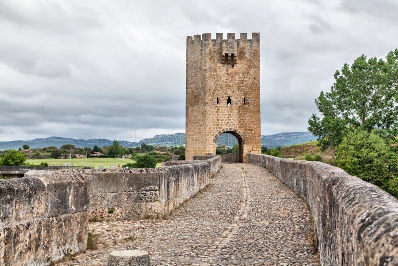 Puente de piedra medieval en Frias, España fotografía de archivo libre de regalías