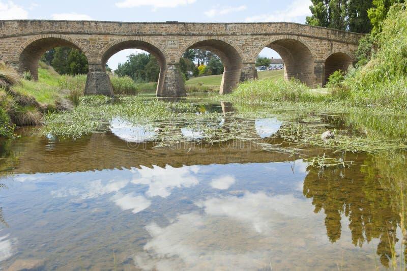 Puente de piedra pionero en Richmond, Tasmania, Australia foto de archivo libre de regalías