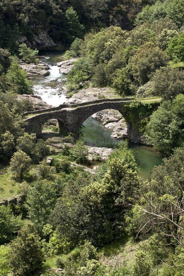 Puente de piedra viejo foto de archivo