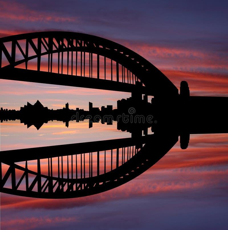 Puente de puerto de Sydney en la puesta del sol ilustración del vector
