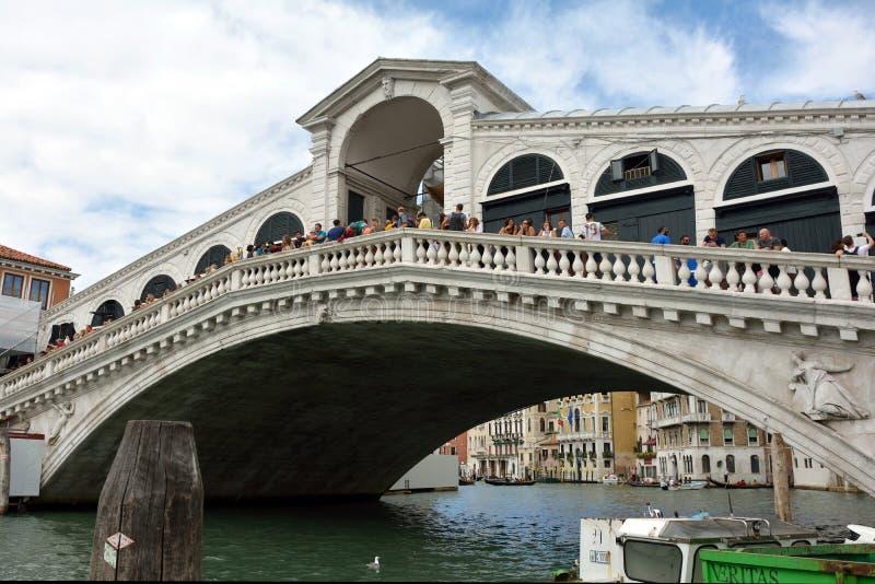 Puente de Rialto en Venecia - Italia foto de archivo libre de regalías